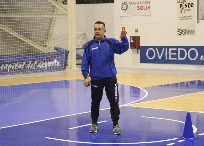 Alfredo-Rodríguez-entrenador-del-Jofemesa-Oviedo-BF
